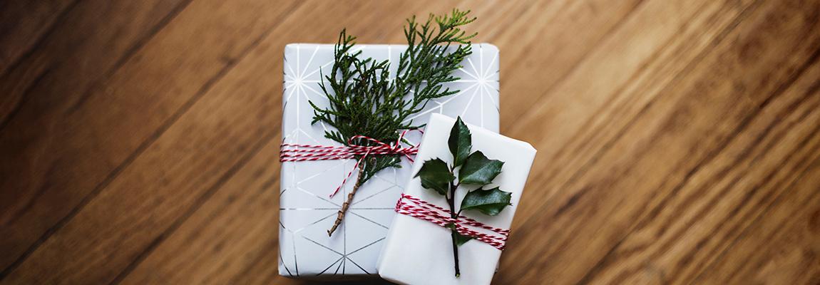 Weihnachtsgeschenke schön verpacken mit Denz Herz